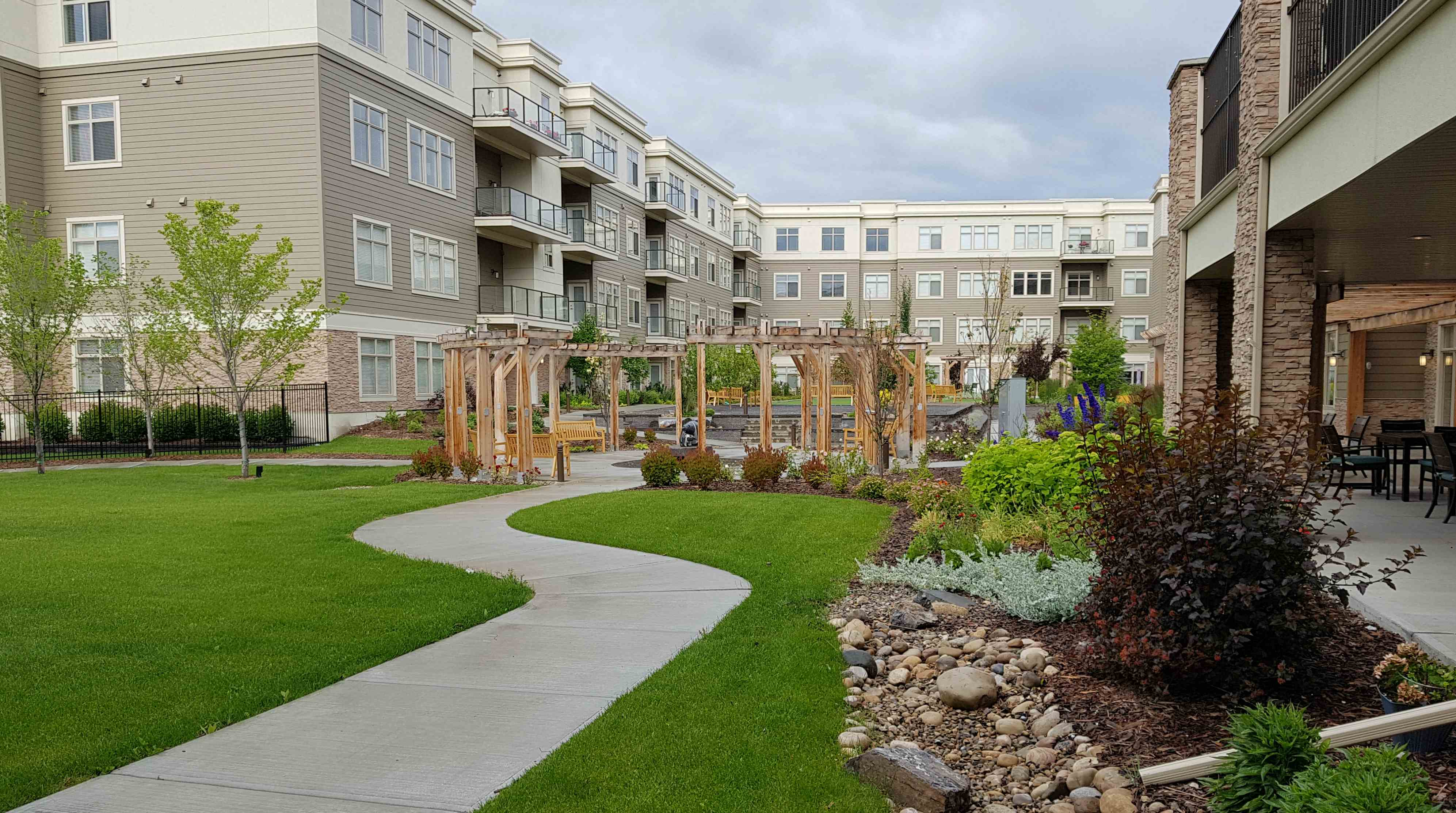 The Fish Creek courtyard with bocce ball court, putting green and sitting areas
