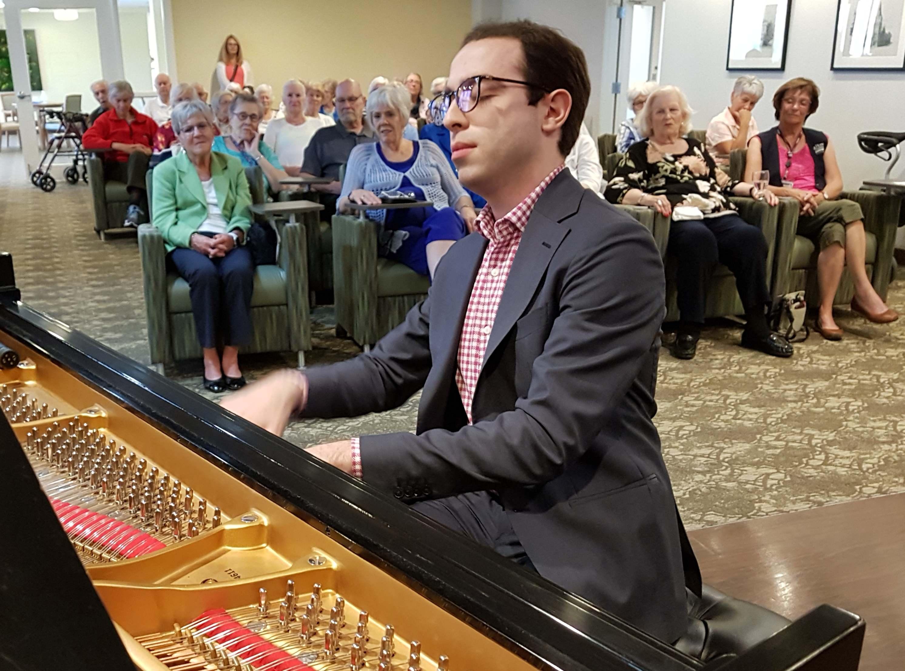 Honens Prize Laureate Nicolas Namoradze performs for residents