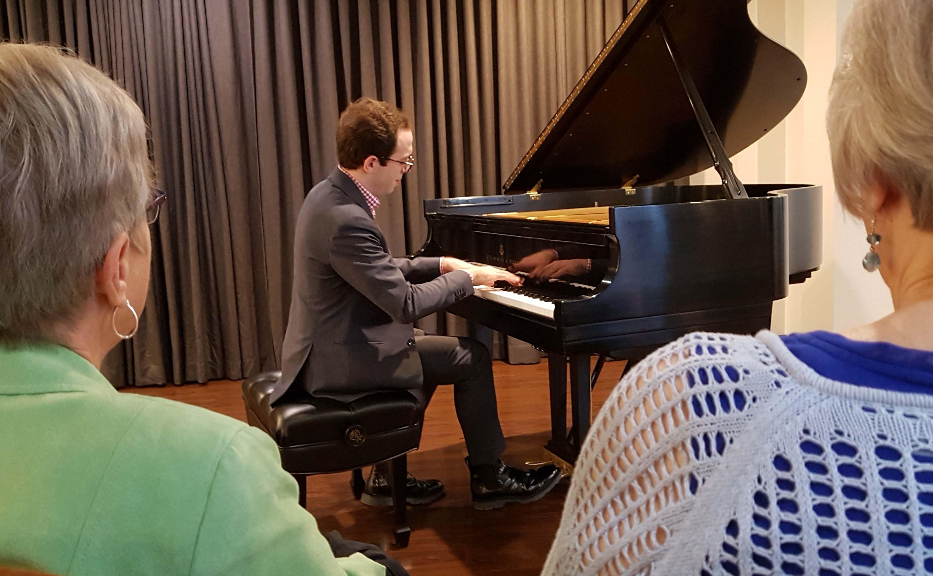 Honens Laureate Nicolas Namoradze performs for United's residents