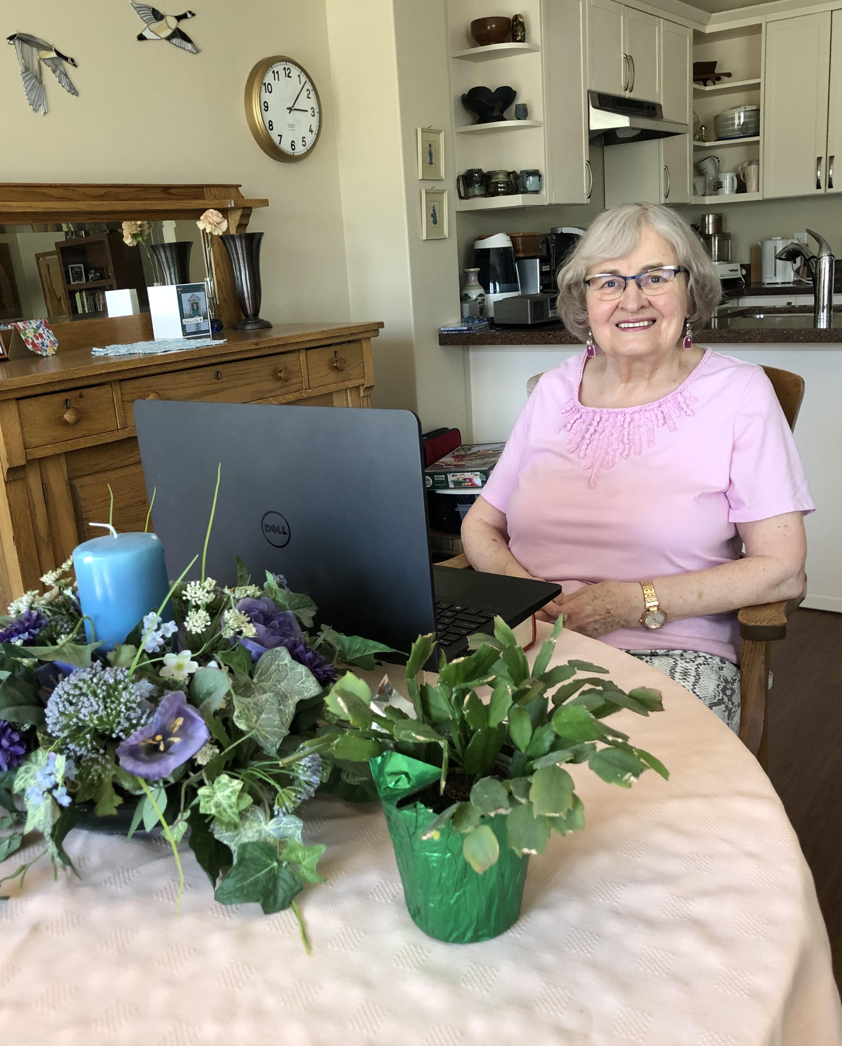 Ruth Nelson stays connected to her friends and family using the latest technology